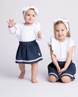 białe body z falbankami i spódniczka