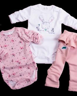 komplet niemowlęcy dla dziewczynki spodnie dresowe z falbanką body białe z kokardkami i body różowe w kwiatuszki