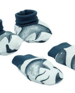 łapki niedrapki i miękkie buciki niemowlęce białe w ciemnoniebieskie delfiny
