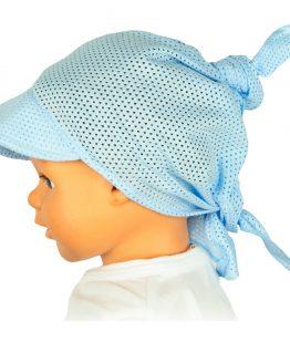 błękitna ażurowa chusta na głowę z daszkiem na słońce
