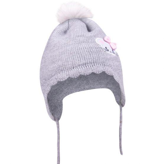 szara czapka z pomponem wiązana dla dziewczynki noworodka wyjście ze szpitala